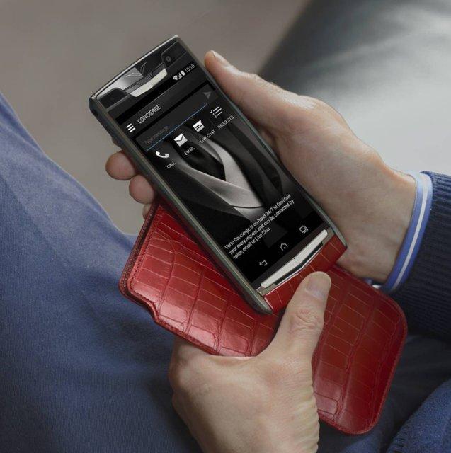 Apple üst sınıf iPhone 8'i üretirken lüks telefon üreticisi Vertu battı