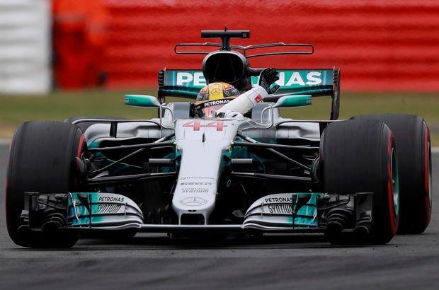 Büyük Britanya'da 'pole pozisyonu' Lewis Hamilton'ın