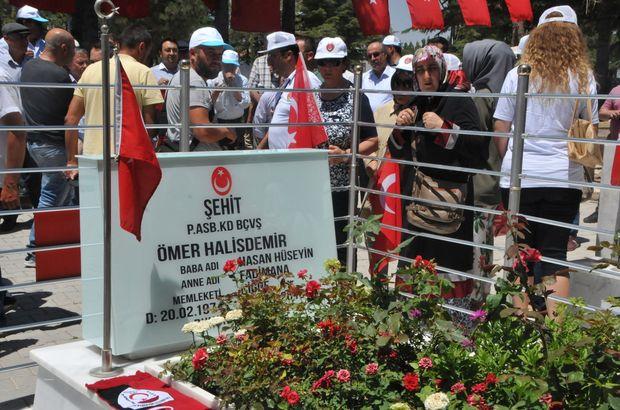 Ömer Halisdemir'in kabrine ziyaretçi akını devam ediyor