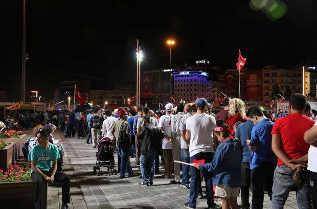 Taksim'de Ömer Halisdemir kuyruğu!