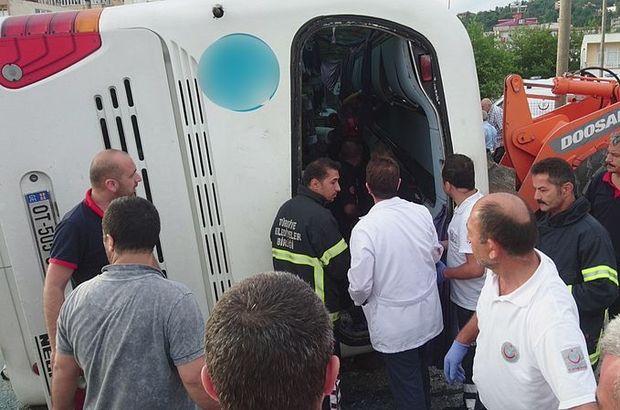 Giresun'da tur otobüsü kaza yaptı: 38 yaralı