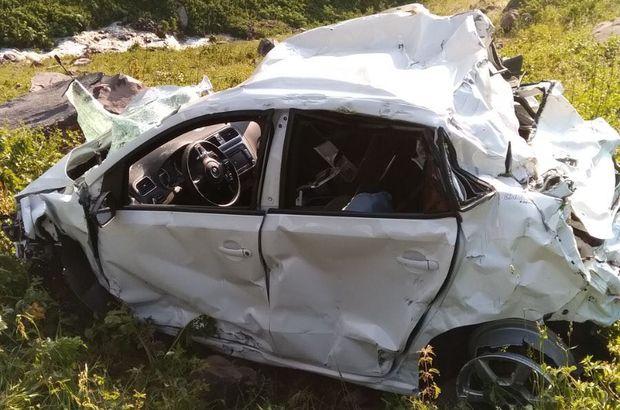 Artvin'de bir otomobil uçuruma yuvarlandı: 4 ölü