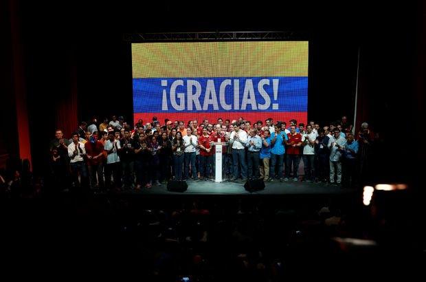 Venezuela'da Maduro'ya karşı gayrı resmi referandum!