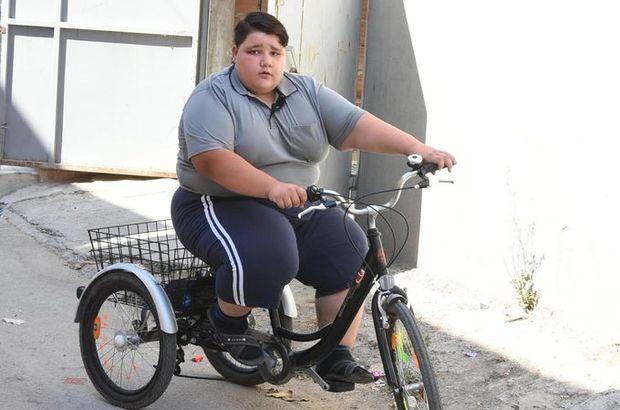 İzmir'de 10 yaşındaki Nurettin Yamaç 165 kiloya ulaştı!