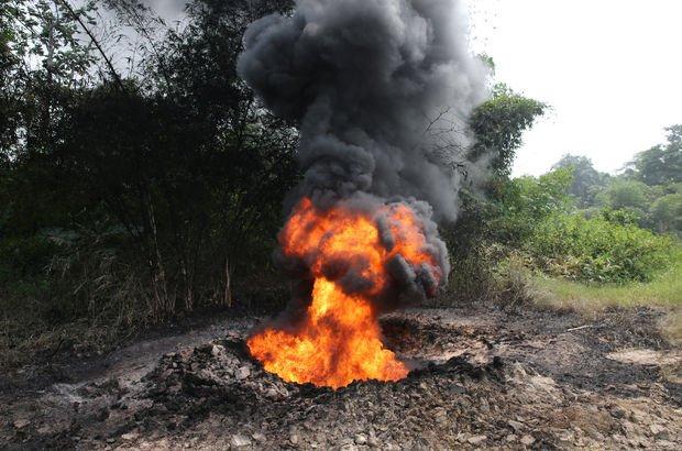 Nijerya'da petrol kuyusunda yangın: 30 ölü