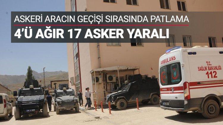 Hakkari'de terör örgütü PKK, askeri aracın geçişi sırasında el yapımı patlayıcıyı infilak ettirdi.