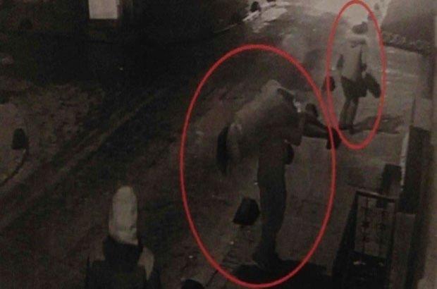 Taksim'de iki kadına saldırının görüntüleri ortaya çıktı