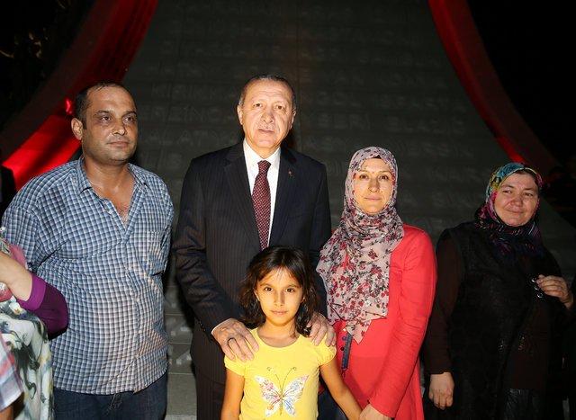 Cumhurbaşkan Erdoğan ve Başbakan Yıldırım'dan '15 Temmuz Şehitler Abidesi'ne ziyaret