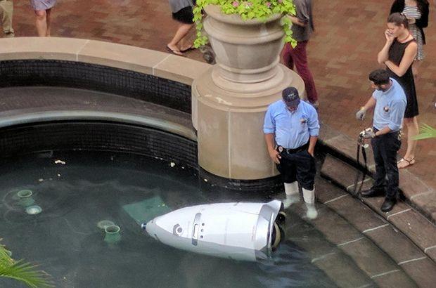 Robot bile boğuldu!