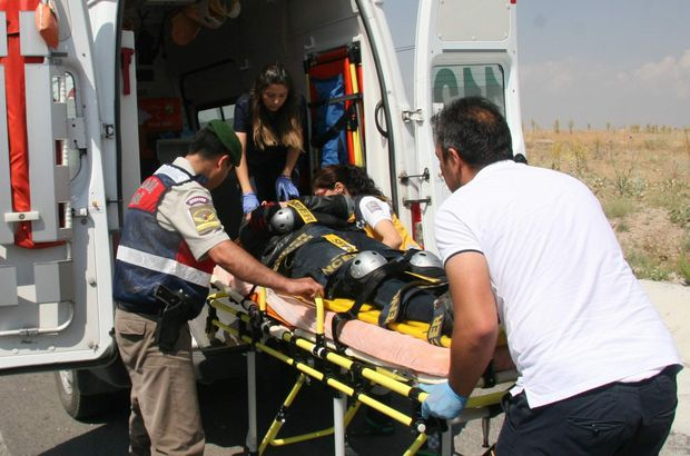 Önce ambulansa çarptılar, sonra sağlık görevlilerini darp ettiler