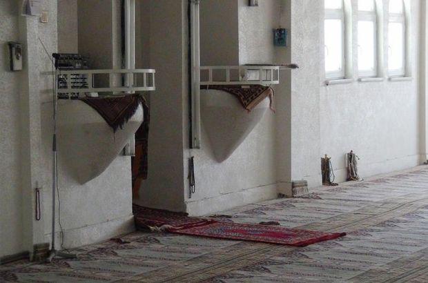 İmam camide dua okurken 11 yerinden bıçaklandı!