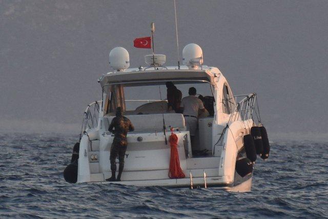 Çağatay Ulusoy ve Kıvanç Tatlıtuğ izinsiz dalış yaptı