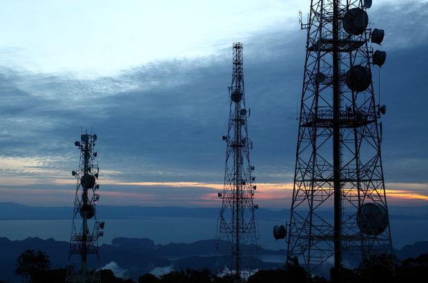 Kablosuz bağlantı ve baz istasyonu kulesi