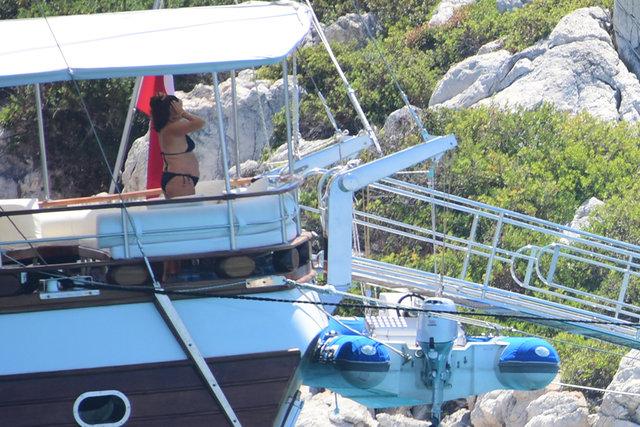 Melis Birkan-Alican Yücesoy çifti mavi tura çıktı