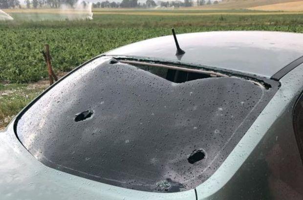 Kastamonu'da yumurta büyüklüğünde yağan dolu, aracın camını kırdı