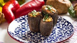 Zeytinyağlı kuru patlıcan dolması nasıl yapılır?