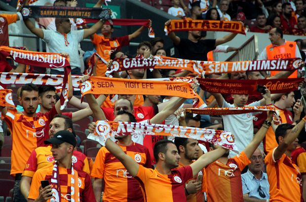 G.Saray'lı futbolcu ıslıklandı!