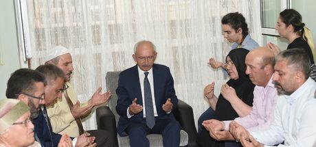 Kemal Kılıçdaroğlu'ndan Hasan Tatlı'nın ailesine taziye ziyareti