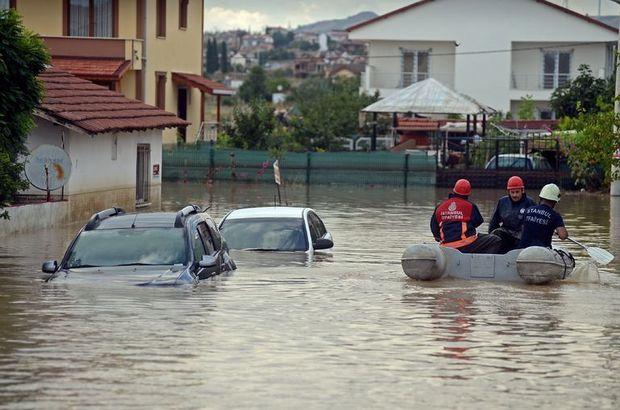 Suya gömülen otomobillerde elektronik devrelerin ıslanması sorun teşkil ediyor