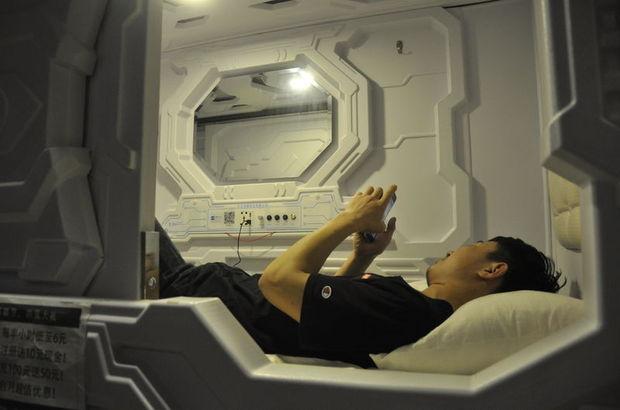 Çin'de iş arası kestirmek isteyenlere karekodlu uyku kapsülleri