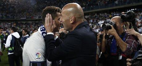 "Zinedine Zidane: ""Cristiano Ronaldo bizimle kalacak"""