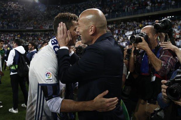 "Zidane: ""Ronaldo bizimle kalacak"""