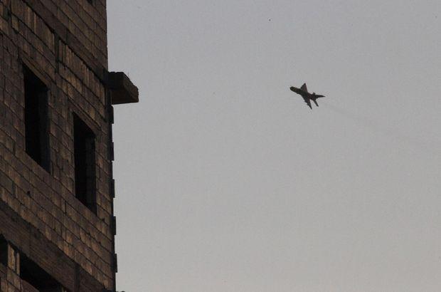 Suriye rejimine ait uçaklardan Rakka yakınlarında operasyon!