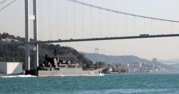 Tartışmalı gemiler yeniden Boğaz'da
