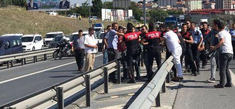 Bayrampaşa'da polis ekibi kaza yaptı