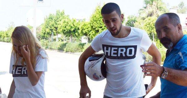 'Hero' tişörtü giyen 3 gence gözaltı