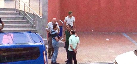 Kocaeli İzmit'te çarşı iznine çıkan askerleri darp eden 2 kişi tutuklandı