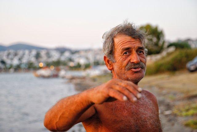 Balıkçı, daha güvenli diye geceyi denizde geçirmiş