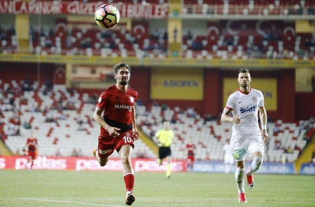 Beşiktaş Negredo ve Orkan Çınar ile anlaştı