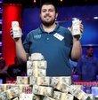 25 yaşındaki Scott Blumstein, 2017 Dünya Poker Serileri şampiyonu oldu, 8.15 milyon Dolar kazandı