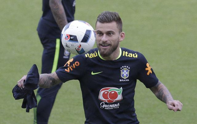 Lucas Lima Fenerbahçe'ye transfer olacak mı?