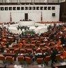 AK Parti, CHP ve MHP, yurtdışına kaçırılan tarihi eserlerin tespiti ve bunların Türkiye'ye getirilmesi için alınması gereken önlemleri belirlemek üzere TBMM Araştırma Komisyonu kuracak. Komisyon 3 ay çalıştıktan sonra bulgularını rapor haline getirerek Meclis'e sunacak