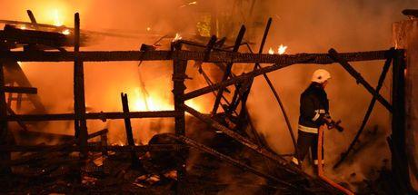 Bursa'da kereste atölyesinde yangın