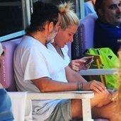 Sosyetenin ünlü isimlerinden Rezzan Benardete, sevgilisi avukat Can Verdi ile birlikte Bebek