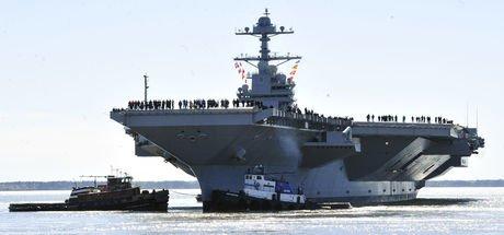 ABD gemisinden İran gemisine uyarı ateşi!