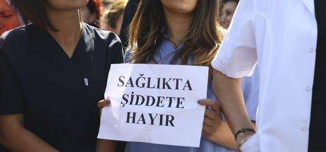 Ankara'da ölüm haberini veren doktorun burnunu kırdılar