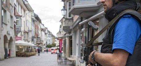 İsviçre'de motorlu testereyle 5 kişiyi yaralayan zanlı yakalandı!