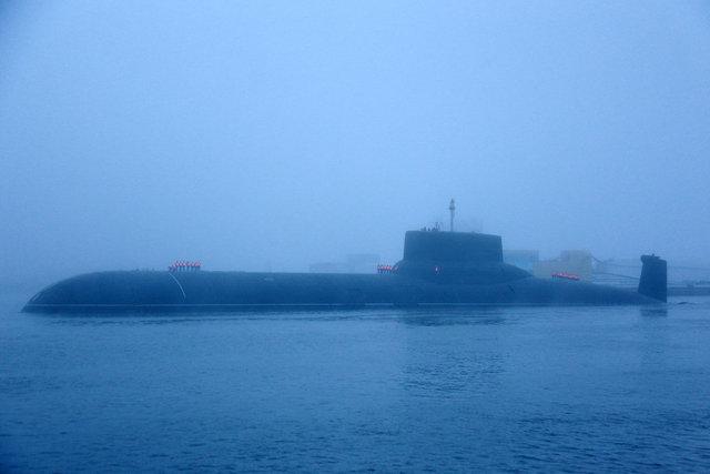 Devasa Rus denizaltısı görenleri büyüledi