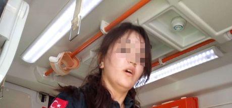 Afyonkarahisar'da kazada yaralanan şahıs, yardıma gelen 112 acil servis ekibine saldırdı