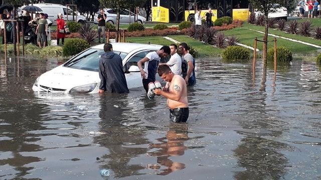 İstanbul'da sağanak yağış sonrası fotoğraflar