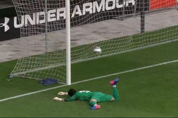 Cenk Gönen, Malaga'daki ilk maçında 3 gol yedi