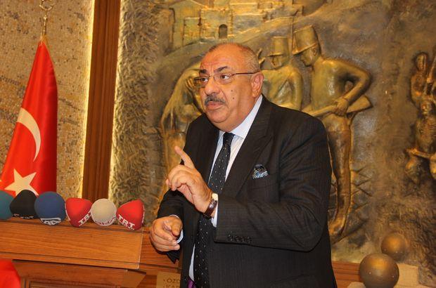 Tuğrul Türkeş: Sarhoşların seviyesine inemem