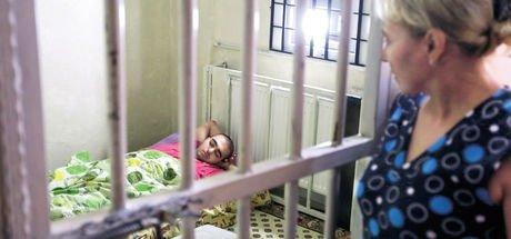 Obsesif kompülsif hastası Sinan tek göz odaya hapsoldu