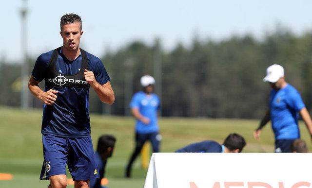 Feyenoord Fenerbahçeli Robin van Persie'yi transfer ediyor