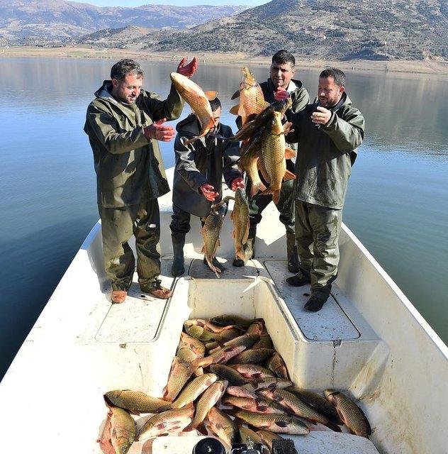 Beydağ Barajı Su Ürünleri Kooperatifi çiftçilere destek vermeye devam ediyor