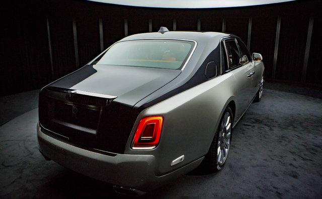 Rolls-Royce Phantom VII 600 bin dolar etiketle geliyor